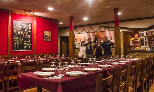 Restaurante La taberna (Albergue turístico de Caín)