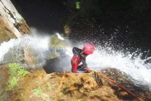 Kayak Pico Azul:  Espeleo, Barrancos y Rappel3