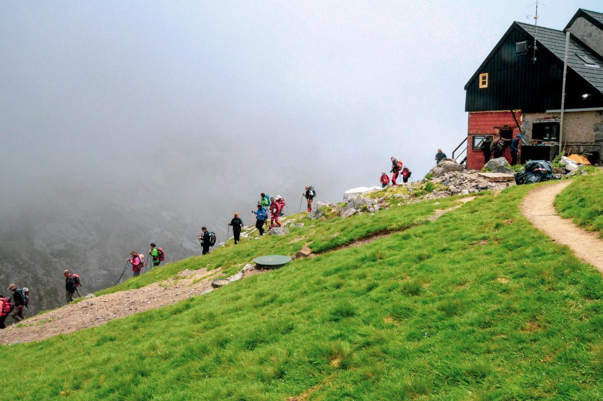 Refugio de Montaña Diego Mella / Collado Jermoso3