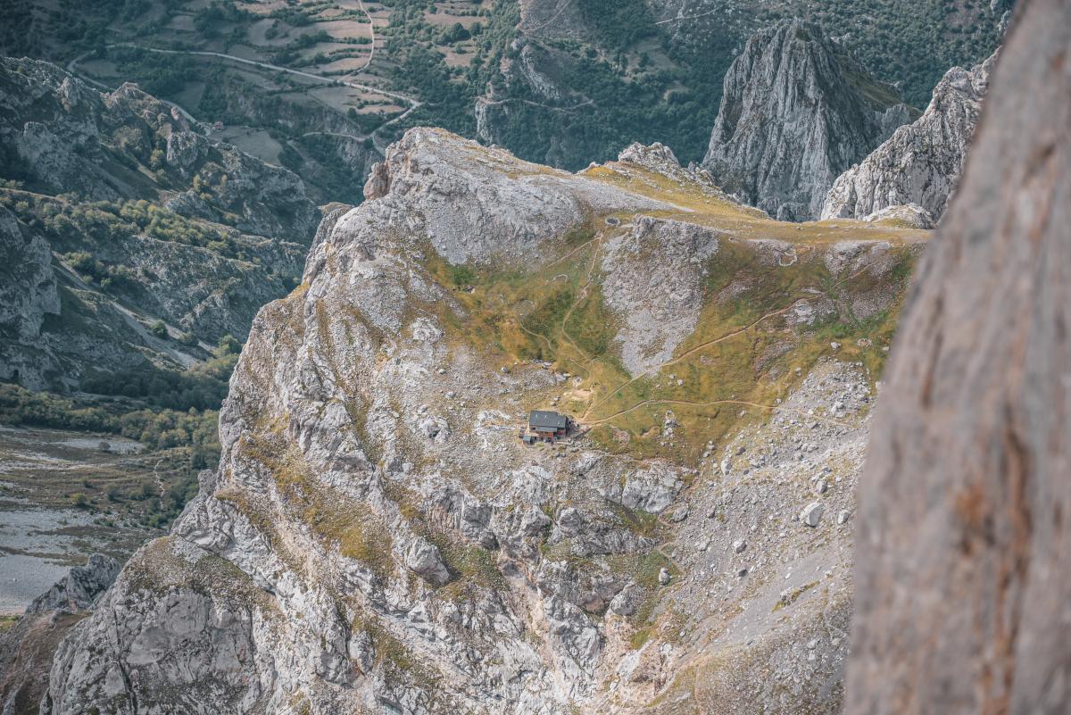 Refugio de Montaña Diego Mella / Collado Jermoso2