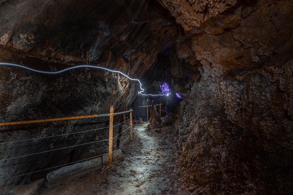 Cuevas de LLamazares2