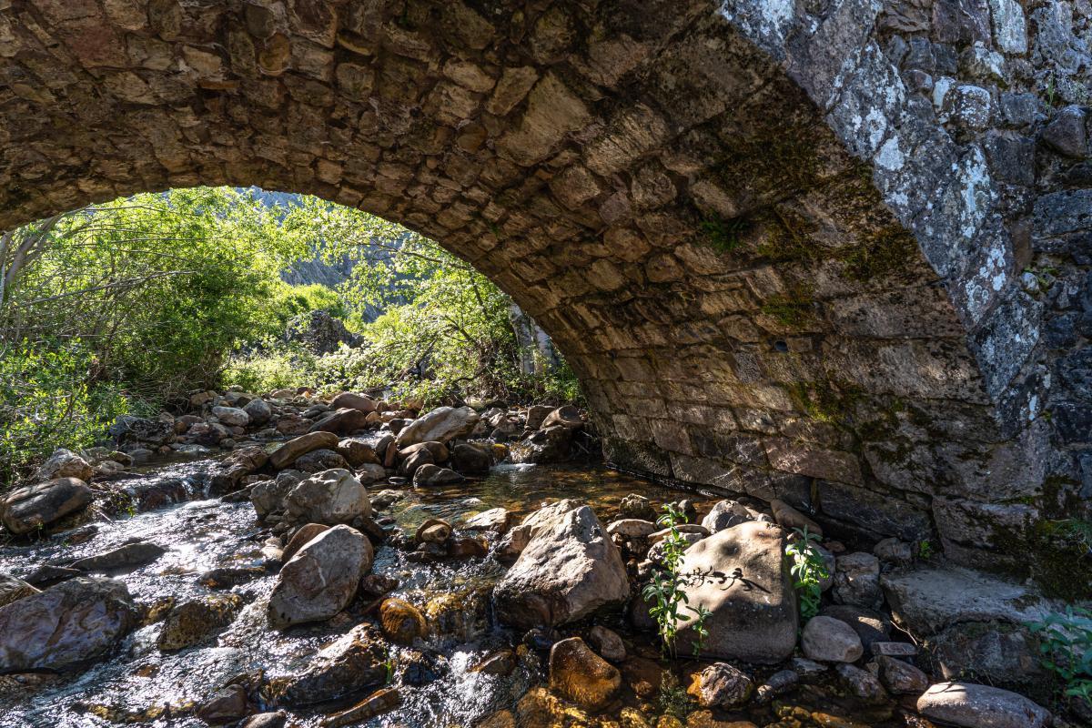 Pontón del arroyo de Villarías2