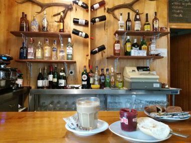 Bar-Cafetería Camping El Urogallo3